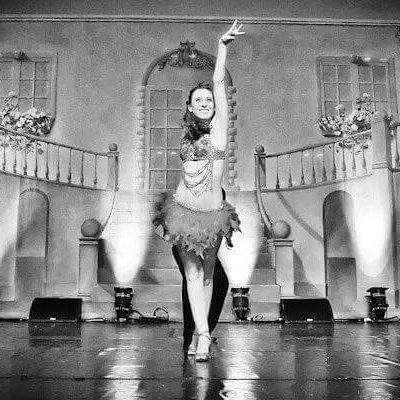 joanna-lavoie-dancing-bw